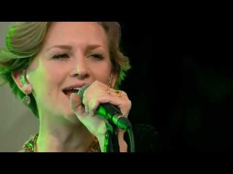 Stine Bramsen - Woman (Go' Morgen Danmark)