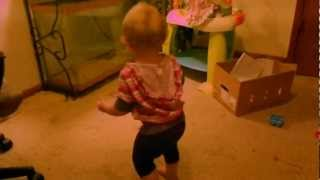 Cute 15 month old Toddler loves Gangnam Style dance
