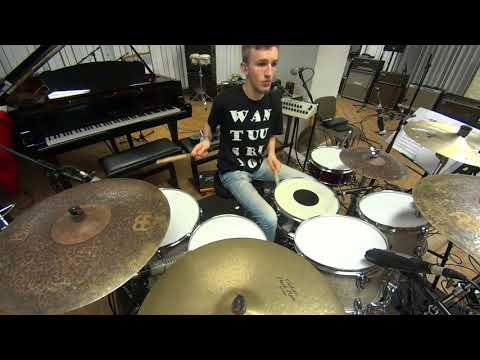 """Crown"" - Slinky Crystal Tunes 