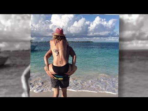 Kaley Cuoco and Ryan Sweeting Vacation in the Caribbean  Splash  TV  Splash  TV