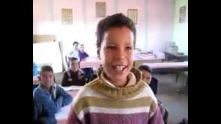 طفل مغربي ينشد نشيد .... إذا ما قال لي ربي أما استحييت تعصيني