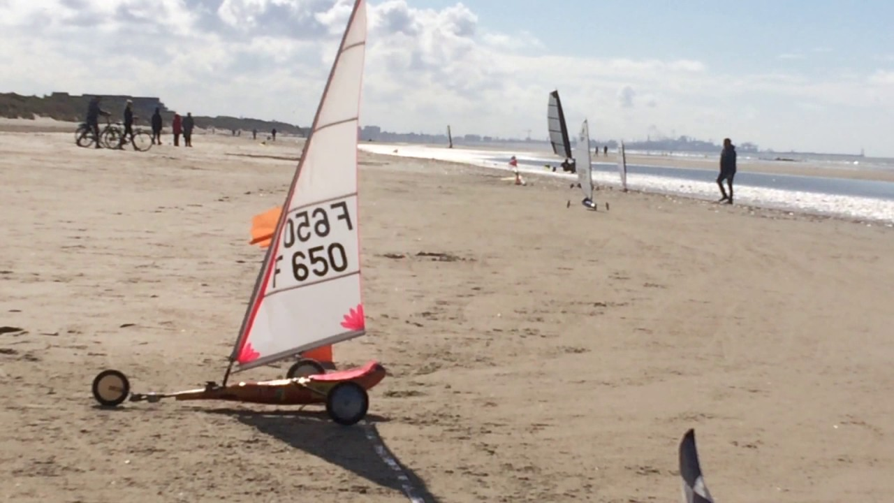 Char A Voile Rc Youtube