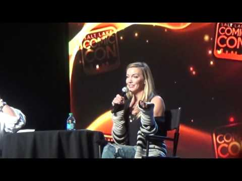 Katie Cassidy and her job on Supernatural. Salt Lake Comic Con 2016