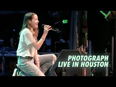 ANNIE LEBLANC - PHOTOGRAPH (LIVE IN HOUSTON) || THROWBACK