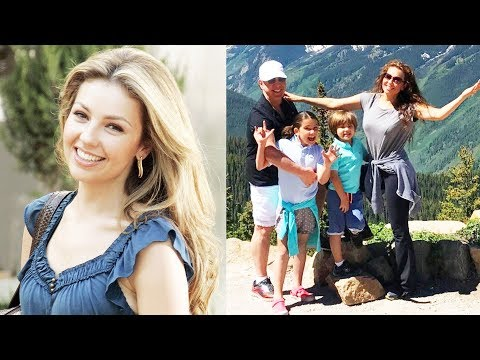 Remember 'MARIMAR' And 'ROSALINDA' Star THALIA? This Is Her Life Now!