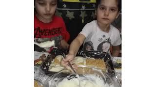 Готовили вместе торт детям очень понравился они у меня очень любит готовить.