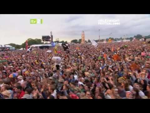 The Kooks - She Moves In Her Own Way,   Live at Isle of Wight Festival 2008