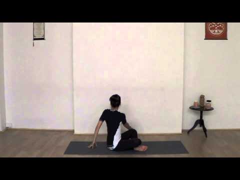 Yoga With Claire - mini twisting sequence