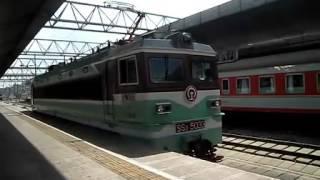 中国国鉄韶山3型(SS3)電気機関車(昆明駅 SS3電力機関車) 連結シーン