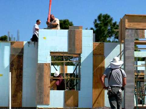 Icf hurricane resistant walls by florida green homes b for Icf construction florida