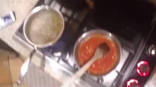 Late night pasta pomodoro (how to sauce your pasta)