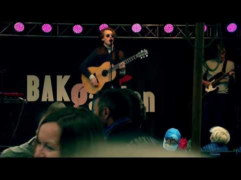 I know A place acustic - Rasmus Aanje, William Lilleland, Ola Aanje Live Acustic Bakgården Sandvika