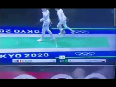 Download Cristiano Ronaldo celebration copied by fencer Mohamed Elsayed