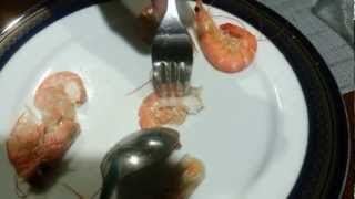 How To Peel Or De-shell Shrimp In 3 Seconds