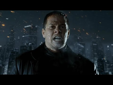 根据著名游戏《马克思·佩恩》改编,男子喝下神秘蓝色药水后,拥有不死之身,刀枪不入