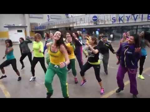 ZES™ Monika Lejman - Zumba® Fitness flashmob in Stockholm Sweden (2014-05-10)