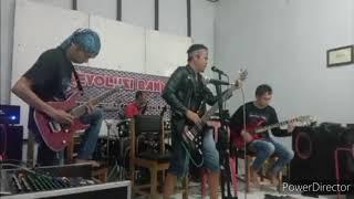 Roland - Mengitari Jagad Raya (cover Revolusi Band)