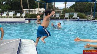 Уроки Плавання Для Малюків. Вчити Малюків Уроки Плавання