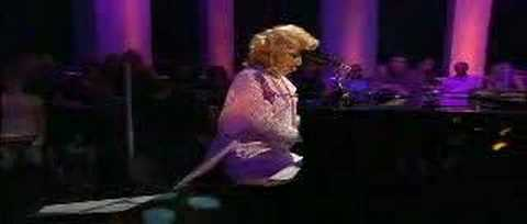 Nellie Mckay - Ding dong (live) - YouTube