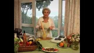 Бибидук-теплый салат из баклажанов и курицы