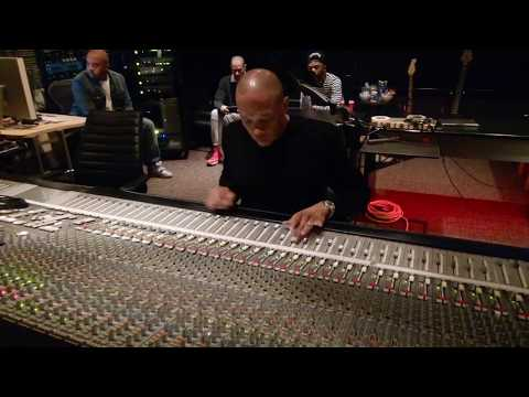 "Dr. Dre mixing Marvin Gayes ""I Want You"" Vocals 