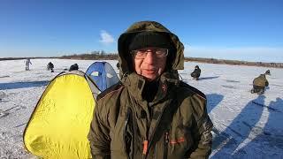 Рыбалка со льда БРОД Ловля монстриков ротанов Ловим на САЛО