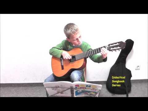 HEY, PIPPI LANGSTRUMPF / Filmmusik /SONGTIME /arr. Rainer Vollmann /Gitarre-Solo /Scherenberg Verlag
