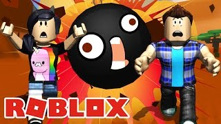 ESCAPE THE BALL OF DESTRUCTION! -ROBLOX (Wreck Ball Survival)