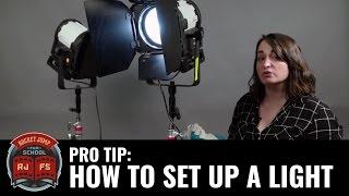 PRO TIP: How T๐ Set Up A Light