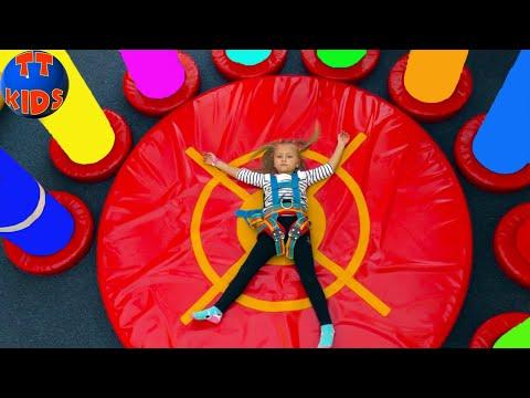ВЛОГ на Скалодроме Ярослава Альпинист! Шопинг в Магазине Игрушек Видео для детей