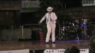 Esibizione  di  Giuliano Jackson  in Smooth Criminal