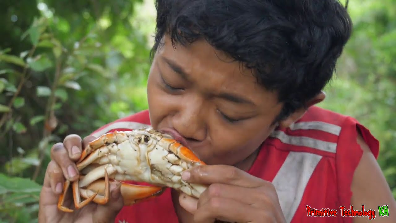 Primitive Technology - Eating Delicious - Cacth Crab & Cooking In Jungle #172