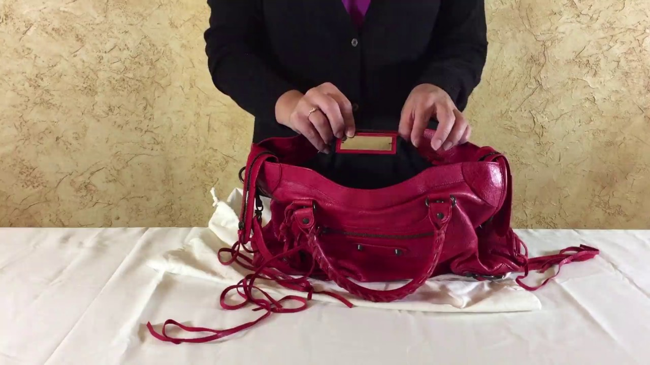 Caligrafía Rápido Marco de referencia  Balenciaga City Bag Review - YouTube