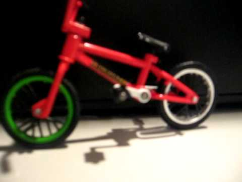 Flick Trix Sunday Aaron Ross Bike Check Red Youtube