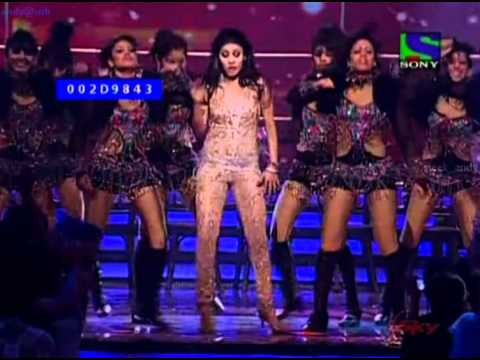 sunidhi chauhan sexy stage dance