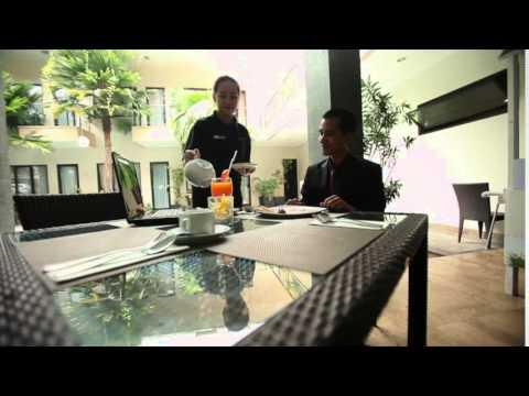 Anugrah hotel sukabumi youtube for Balcony hotel sukabumi
