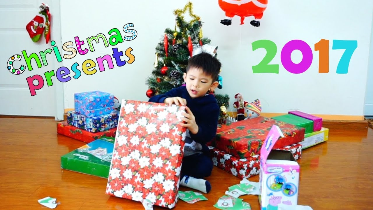 Opening christmas presents with Xavi ABC Kids - Jingle Bells Kids Christmas Songs