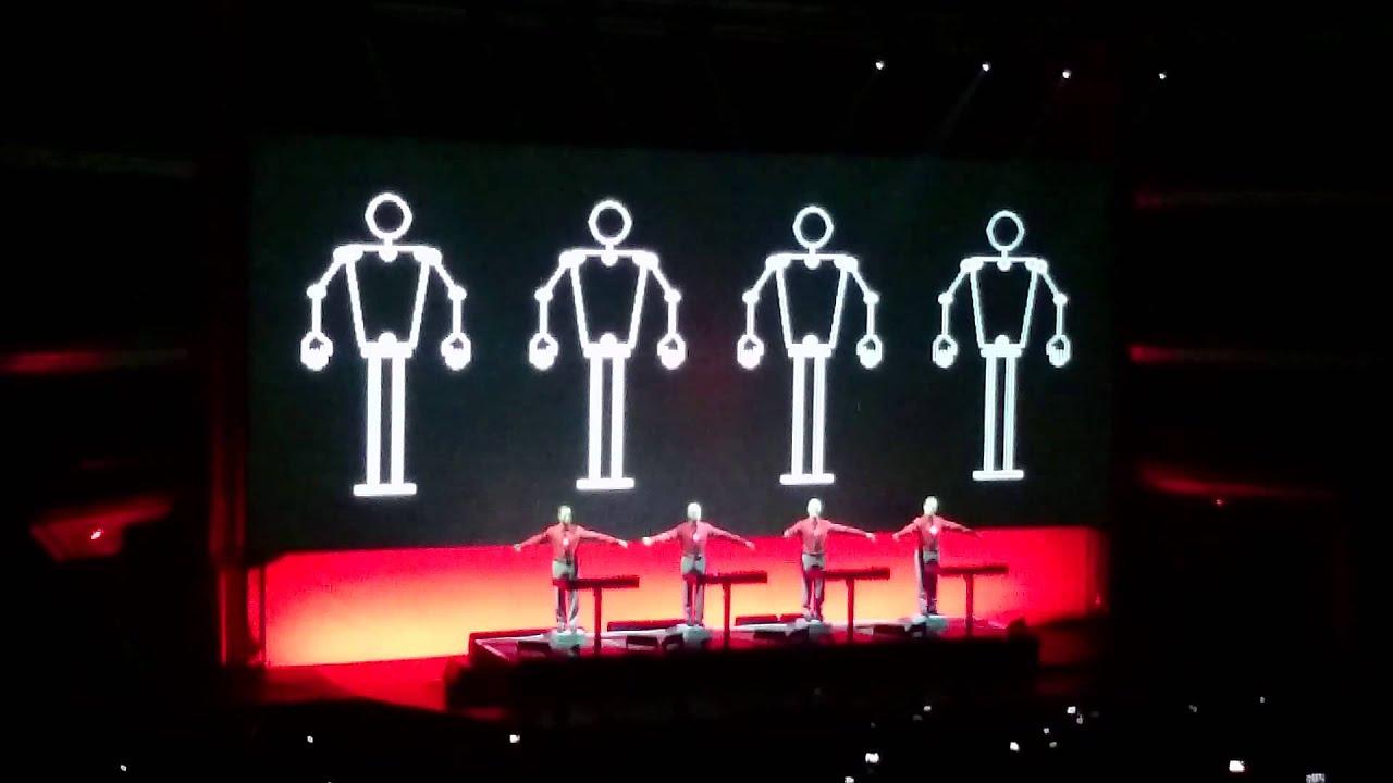 Kraftwerk 3d tour Lisboa - WE ARE THE ROBOTS - YouTubeKraftwerk 3d