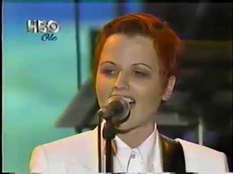 Dolores O'Riordan (Featuring Simon Le Bon) - Live: Linger @ Modena, Italy / September 12th, 1995.
