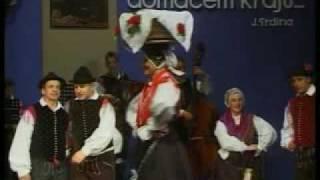 Folklorna skupina Mengeš Ples s pogačo in majolko.avi