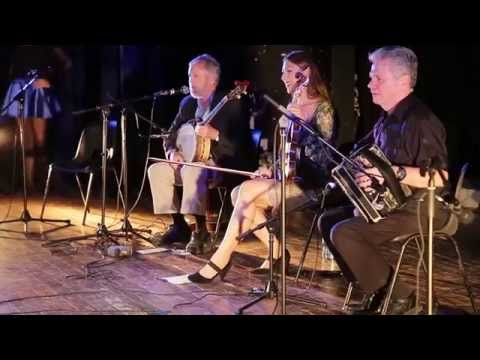 Mick Moloney and Irish American Traditional Musicians in Cub