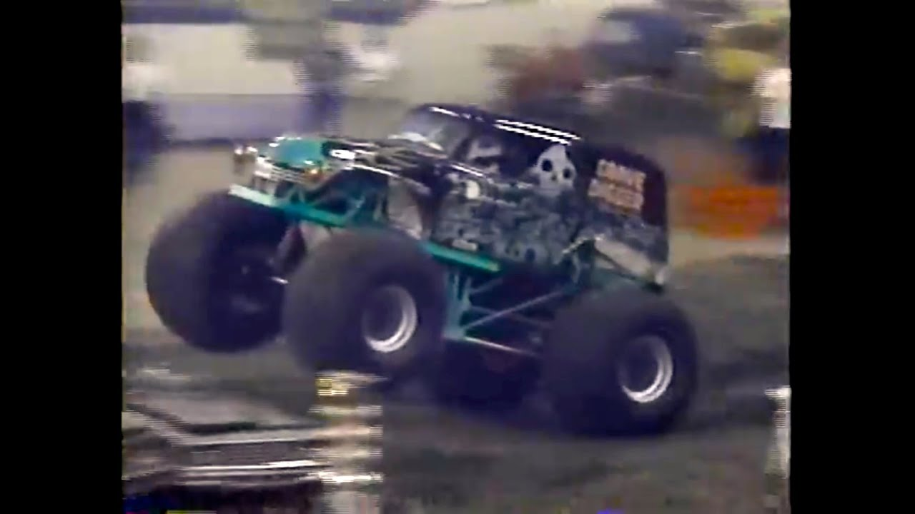 Patterson Truck Stop >> PENDA Monster Trucks: Hoosier Dome 1992 - YouTube