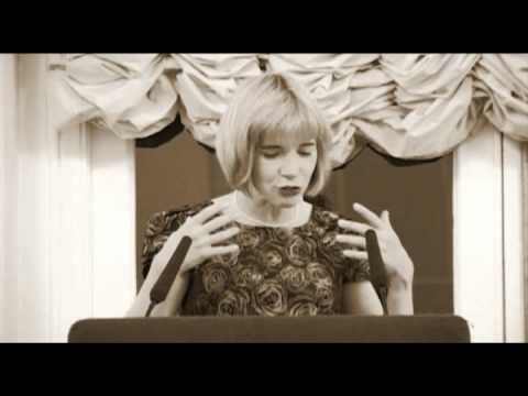 Lucy Worsley sings and talks about murder