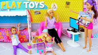 Barbie Girl & Baby Dolls Sleepover Party Dress up Makeup Toys!
