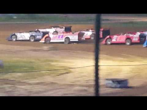 Derek Fetter Quincy Raceways Feature part 1 ( camera kept shutting off 3 parts to the feature)