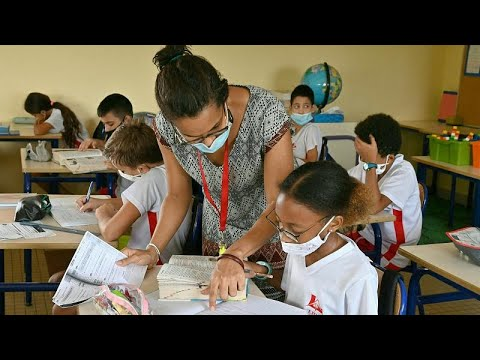 France opens centre in Ivory Coast to train 10,000 teachers in Africa