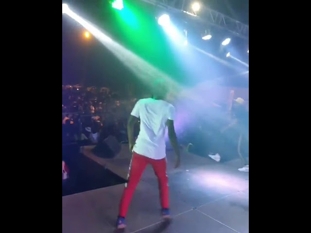 Flashback Video Watch Master KG Fell On Stage