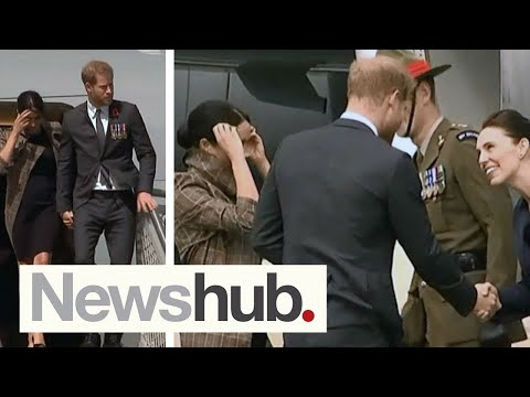 Meghan Markle, Prince Harry arrive in Wellington, New Zealand | Newshub