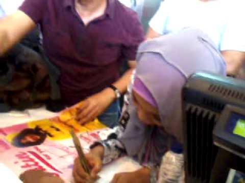 @FatinSL at KFC Sam Ratulangi Makassar