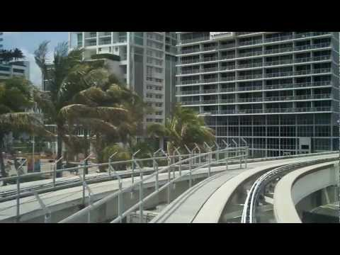 Riding MetroMover in Miami (omni loop)